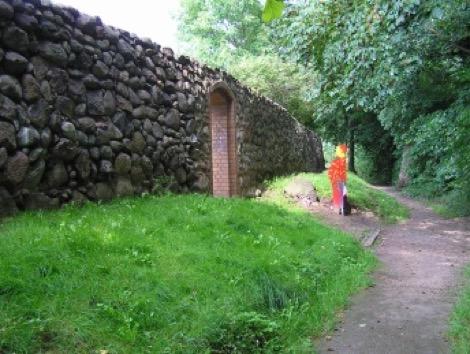 An der Stadtmauer in Altlandsberg, Foto