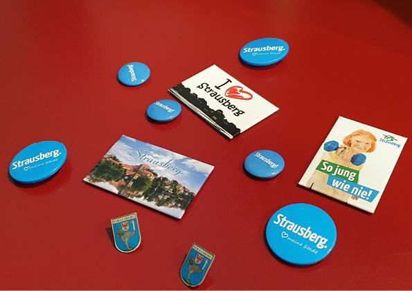 Foto: Magnete, Buttons und Pins