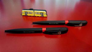 Foto: Kugelschreiber und USB-Stick
